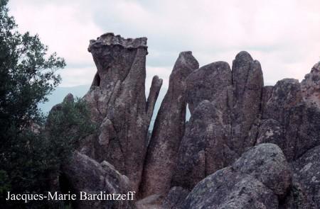 bardintzeff-1993-06-12_2-09-piana_calanche-granite_rouge-s