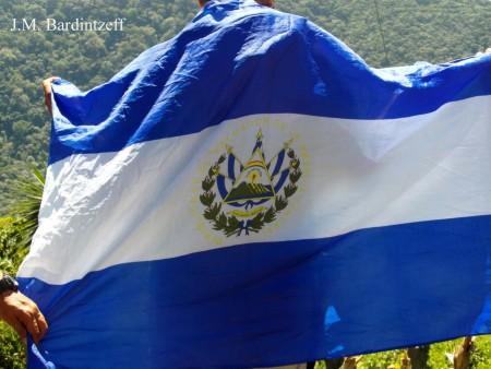 Le drapeau du Salvador, par Jacques-Marie Bardintzeff