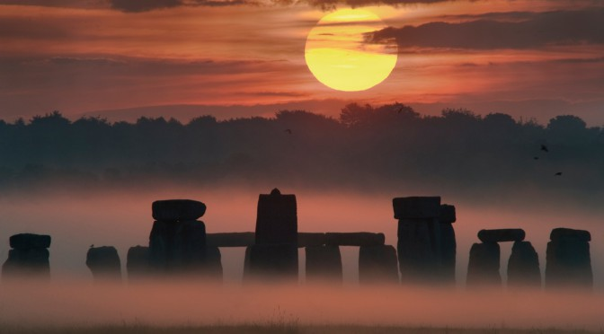solstice d 39 t quand le soleil se l ve sur stonehenge. Black Bedroom Furniture Sets. Home Design Ideas