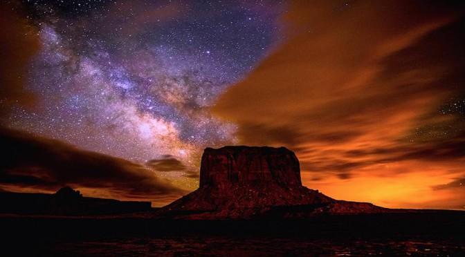 En Video Le Ciel Des Navajos A Monument Valley