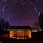 Le lavoir de Fussey sous les étoiles