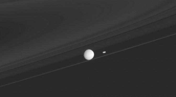 Mimas_Prometheus