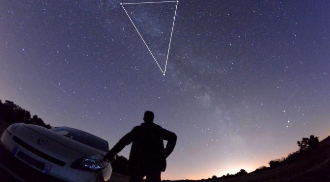 Le Triangle Dété Un Spectacle à Admirer Au Zénith