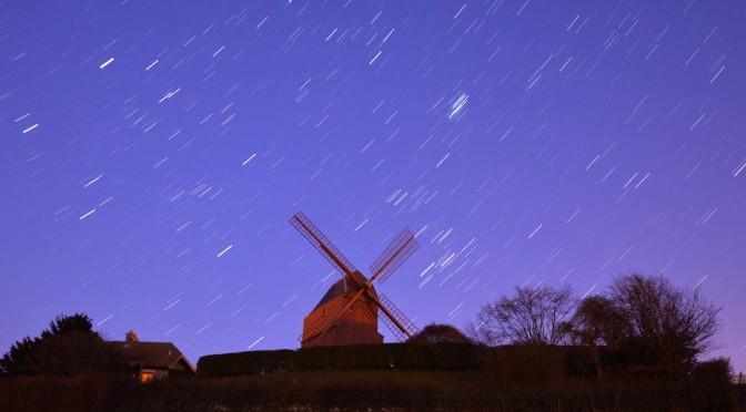 Les Hyades et les Pléiades derrière le moulin de Verzenay