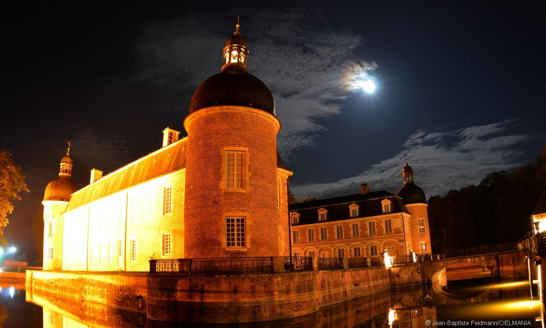 Une soirée sous la Lune au château de Pierre-de-Bresse - Futura-Sciences
