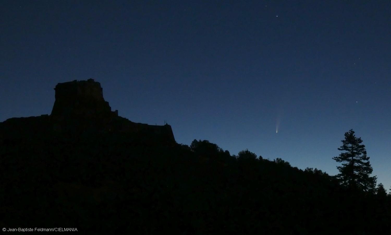 Une comète visible à l'œil nu dans le ciel de l'aube — Neowise