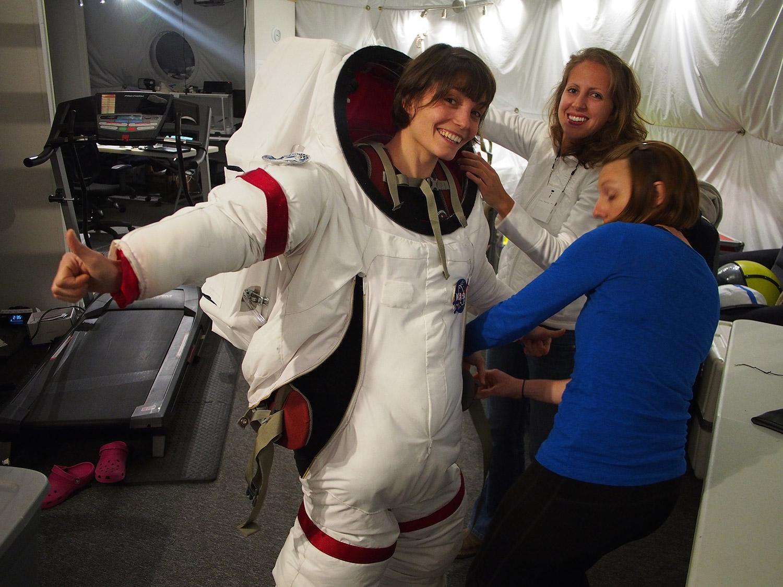La Française Lucie Poulet (Association Planète Mars) a fait partie d'une simulation de 120 jours en 2014 (photo rocketstem.org)