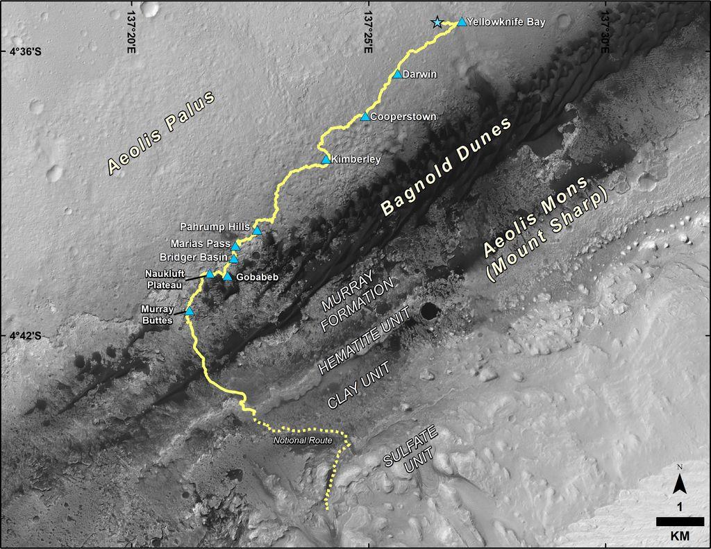 Le parcours suivi par Curiosity depuis son atterrissage en 2012 (en haut). Fin 2016, il roule désormais plein sud, avant de gravir de nouveaux sédiments lacustres (chemin proposé en pointillés).