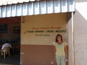 Autour du centre de Campo Grande, la cuisine locale n'oublie pas le poisson et particulièrement le piranha accommodé ici en soupe. © A. Gioda, IRD.