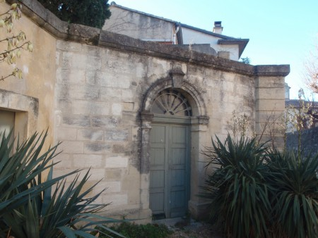 La « dite » synagogue, l'Hôtel de Bernis, rue Emile Zola. L'Hôtel de Bernis donne aussi sur la rue Alphonse Ménard, Lunel. ©A. Gioda, IRD.