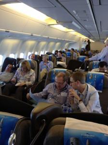 Une centaine de passagers  dans l'avion spécialement affrété par Arianespace : personnel des agences spatiales, ingénieurs,  scientifiques, politiques, journalistes.