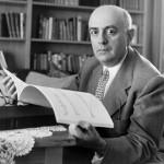 Theodor W. Adorno (1903-1969) est un philosophe, sociologue, compositeur et musicologue allemand.