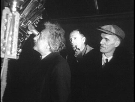 Albert Einstein, Edwin Hubble et Walter Adams au télescope du Mont Wilson en 1931
