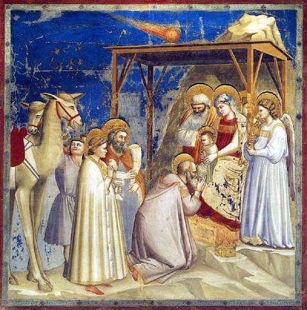 Dans cette célèbre fresque de l'Adoration des Mages, réalisée par Giotto en 1303, l'étoile de la Nativité est représentée sous forme d'un astre chevelu, autrement dit une comète. Nombre d'historiens estiment qu'il s'agit probablement d'une fidèle reproduction de la brillante comète vue en 1301 dans les cieux d'Europe, comète qui sera plus tard identifiée comme étant la comète périodique de Halley.