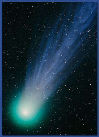 Noyau, coma et chevelure de la comète Hyakutake à son maximum
