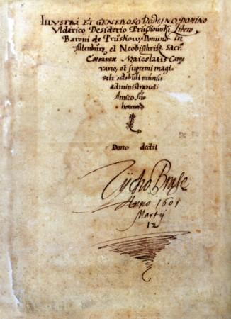 Signature de Tycho Brahe datée du 12 mars 1601, quelques mois avant sa mort.