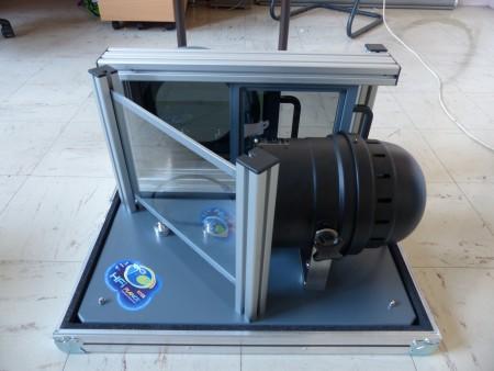 Dispositif conçu et fabriqué au LPSC pour mettre en évidence la polarisation en transmission et en réflexion
